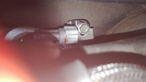 vis de fixation du filtre à gasoil